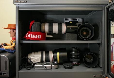 camera dry cabinet singapore