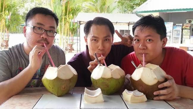 Bukit-Shahbandar-coconut-water
